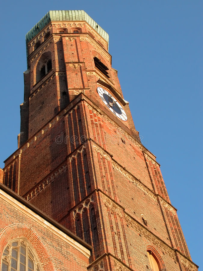 Tour de cathédrale image stock