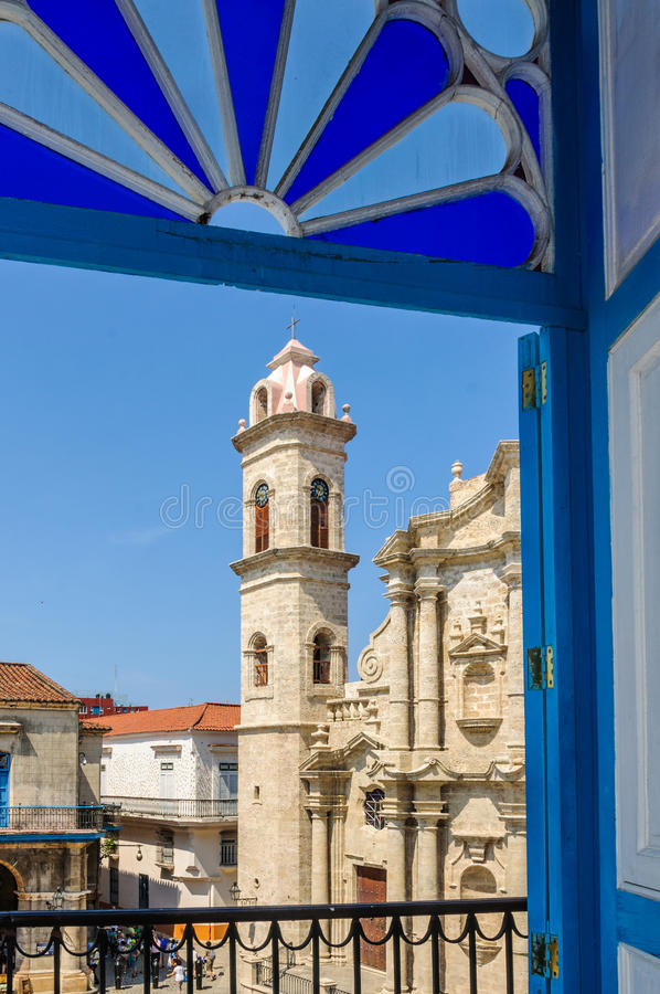 Tour de cathédrale dans La Habana Vieja, Cuba photos libres de droits