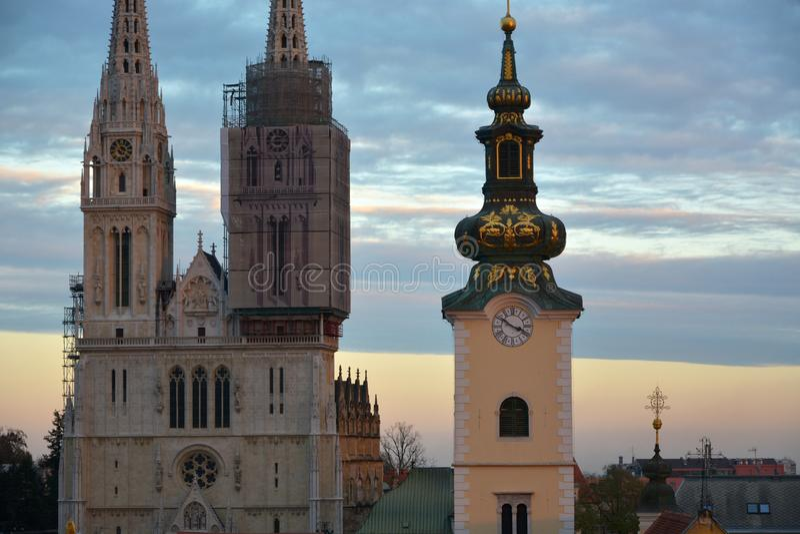 Tour de cathédrale de Zagreb images libres de droits