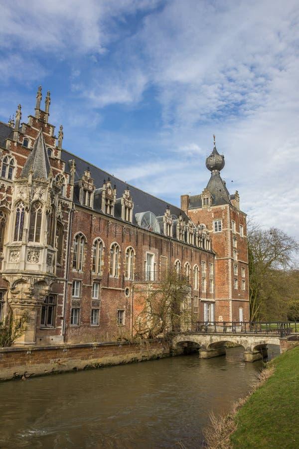 Tour de château Arenberg, maintenant université de Louvain image stock