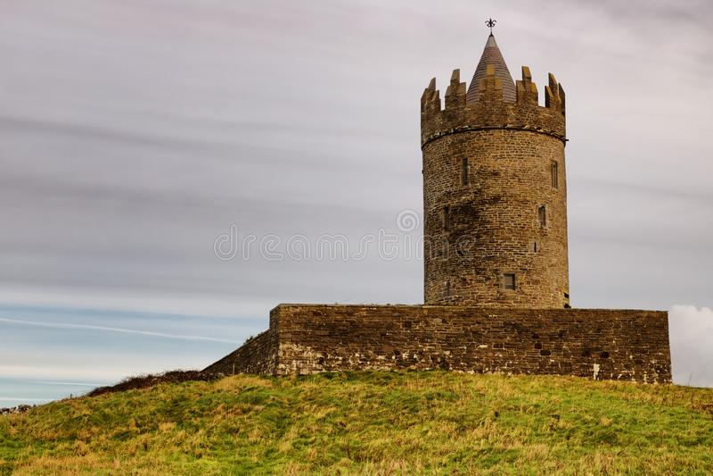 Tour de château de Doonagore images libres de droits
