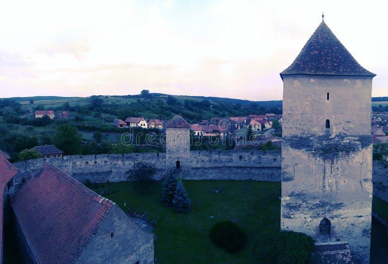 Tour de chapelle dans le château de Calnic images libres de droits