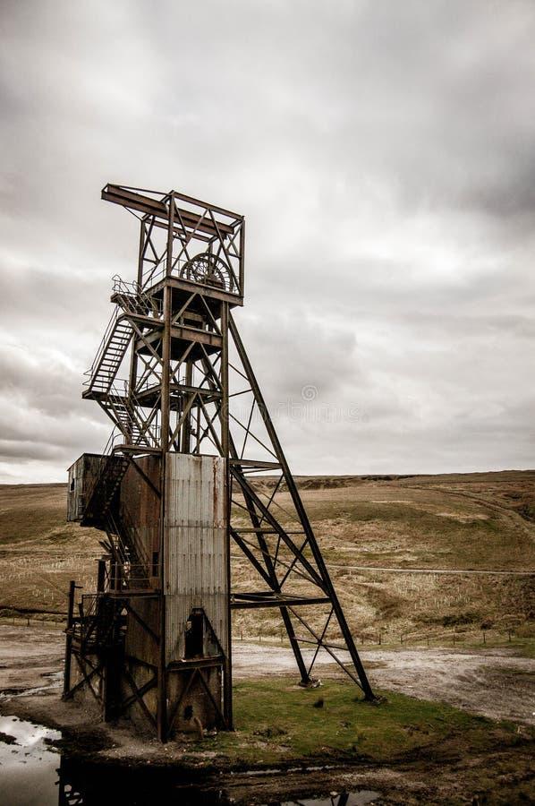 Tour de contrôle de extraction abandonné photo libre de droits