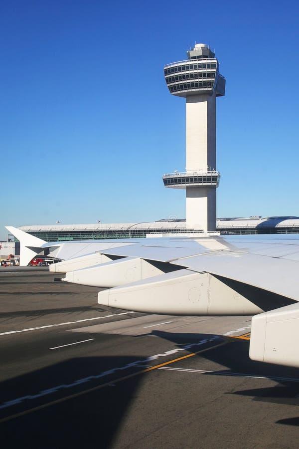 Tour de contrôle du trafic aérien chez John F Kennedy International Airport photographie stock libre de droits