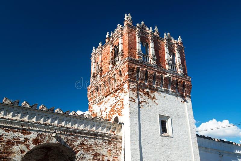 Tour de forteresse du couvent de Novodevichy à Moscou photographie stock libre de droits