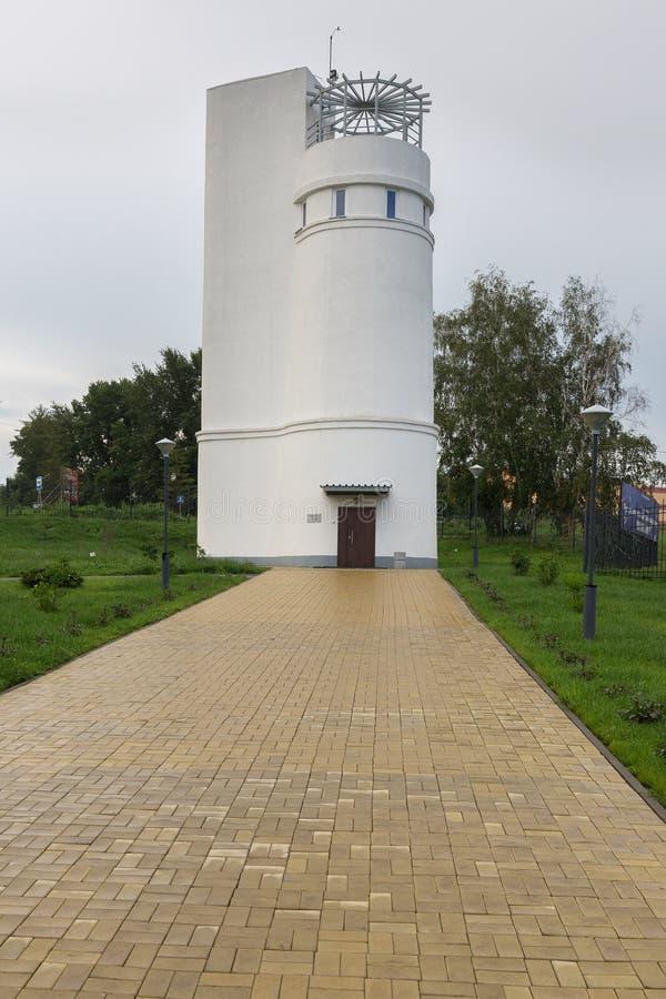 Tour de Foucault, où le ` s de Foucault pendule de 15 mètres est localisé Le grand planétarium de Novosibirsk est le plus grand photo libre de droits