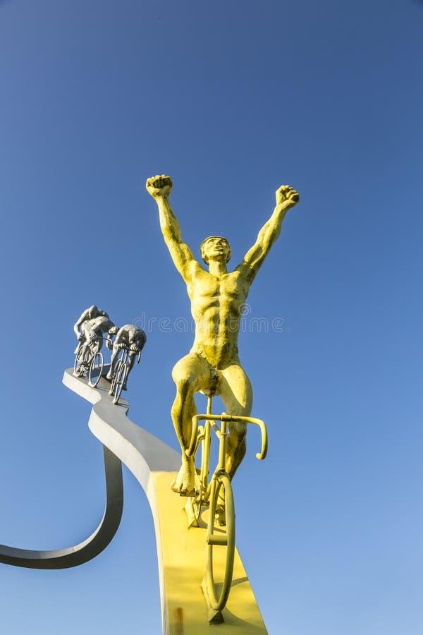 Tour de France del  del †in dettaglio della scultura del  di Pyrenees†fotografia stock libera da diritti