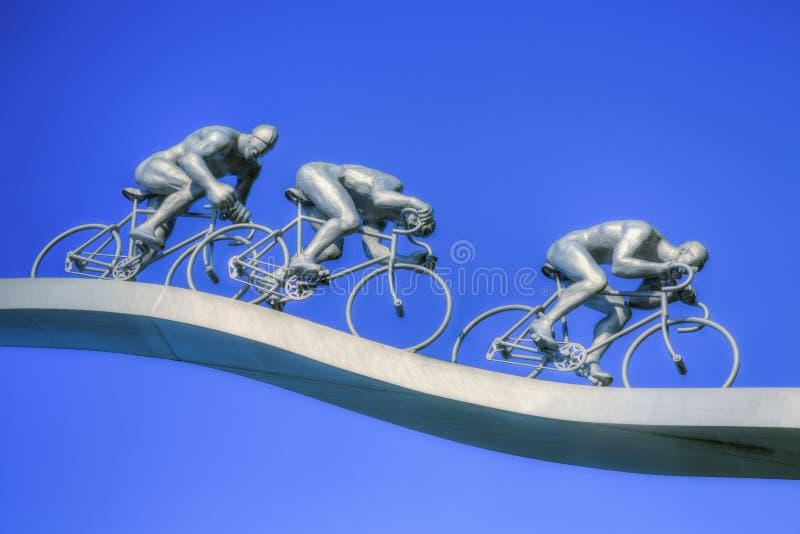 Tour de France del  del †in dettaglio della scultura del  di Pyrenees†fotografia stock