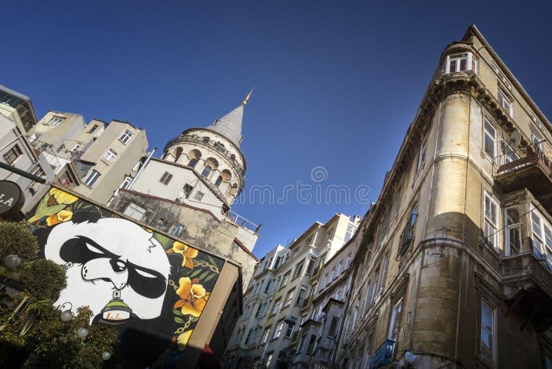 Tour de Galata et vieux appartements, Istanbul, Turquie images libres de droits