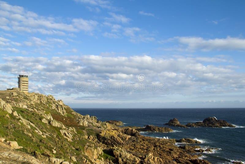 Tour de guet sur la côte du Jersey photographie stock libre de droits