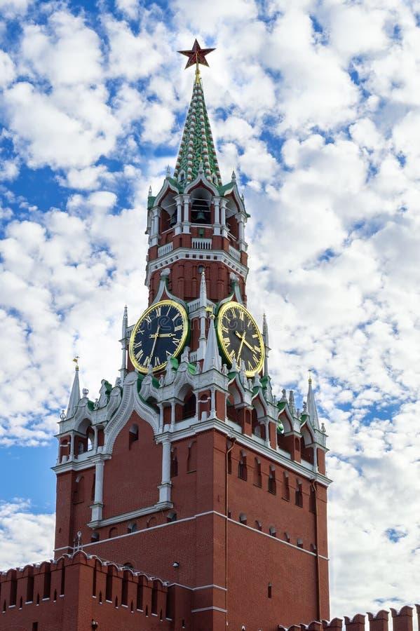 Tour de Kremlin à Moscou Symbole de la Russie image stock