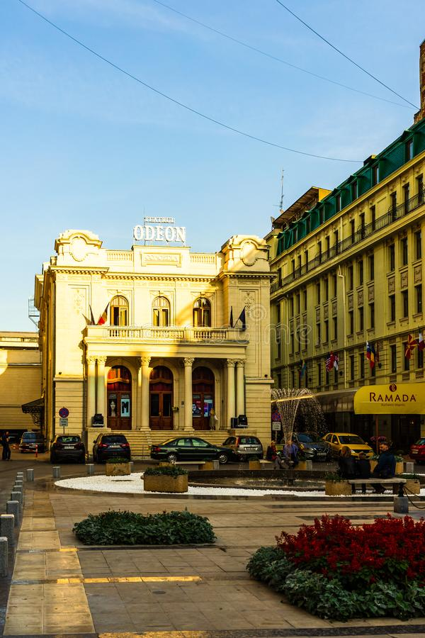Tour de la ciudad de Bucarest - Teatrul Teatrul Odeon Bucuresti Teatro Odeon en Bucarest, Rumania, 2019 imagen de archivo libre de regalías