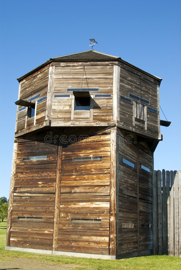 Tour de la défense sur une forteresse pionnière de logarithme naturel photos stock