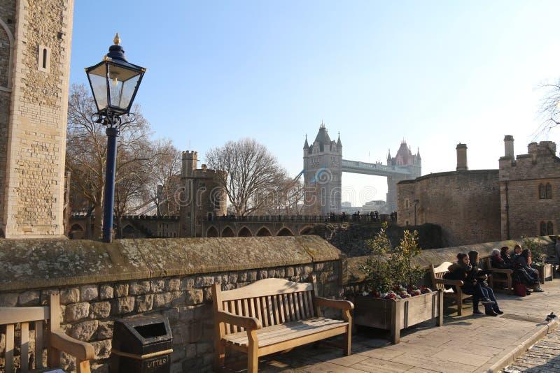 Tour de Londres, pont de tour en janvier photo libre de droits