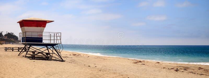 Tour de maître nageur chez le San Clemente State Beach image libre de droits