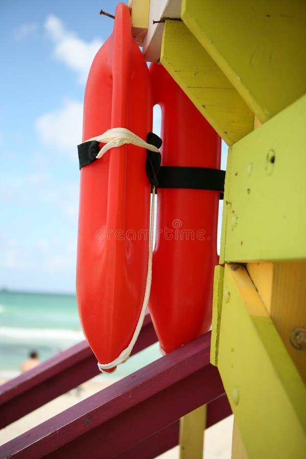Tour de maître nageur en plage du sud images stock