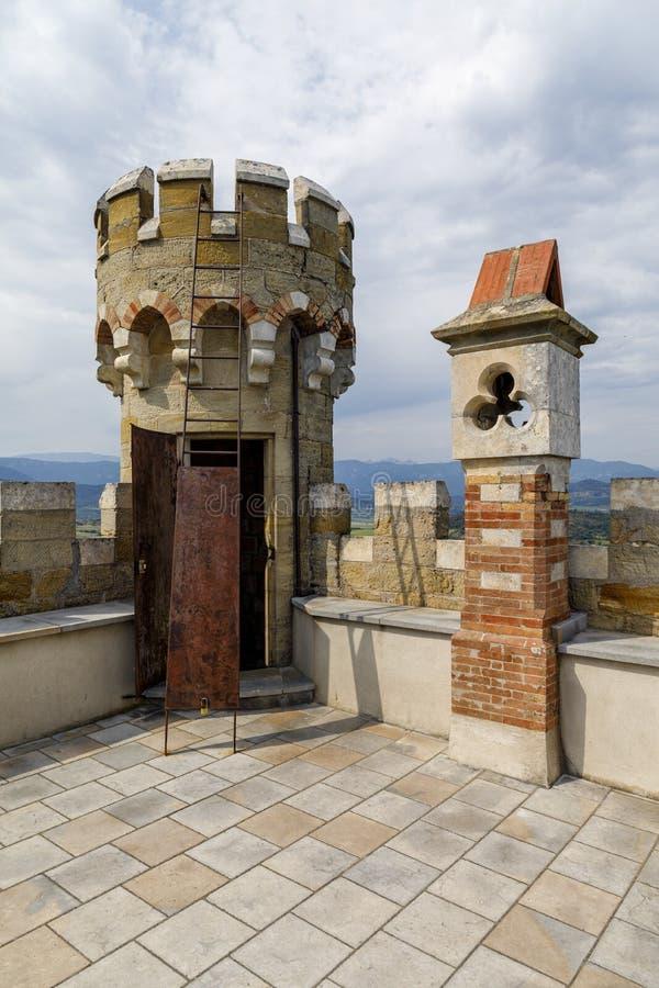 Tour de Magdala, ville de Rennes le chateau en Aude, France photo libre de droits