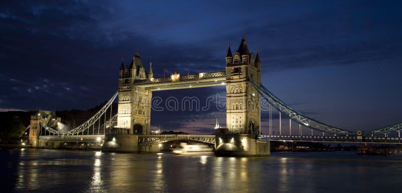 tour de matin de Londres de passerelle photo libre de droits