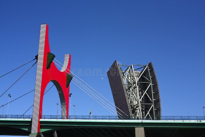Tour de musée, et passerelle d'onguent de La, Bilbao. photo libre de droits
