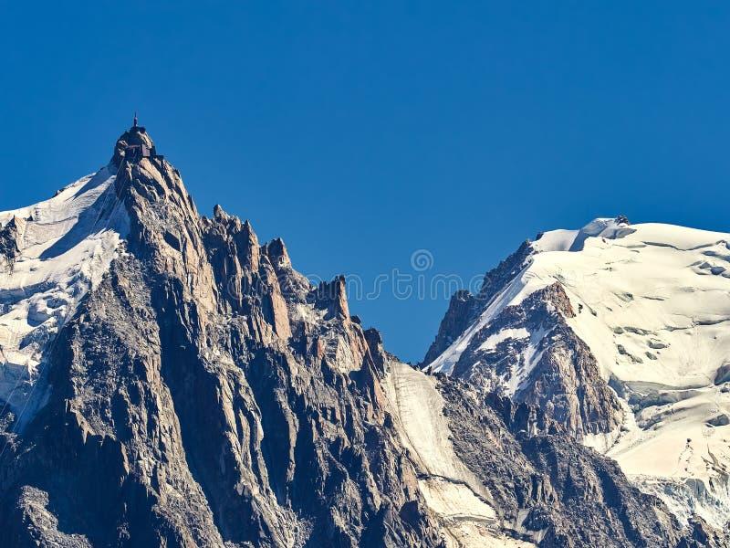 Tour de pointeau de sommet d'Aiguille du Midi image libre de droits