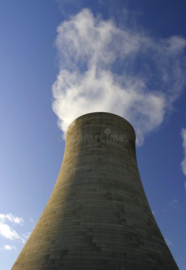Download Tour de refroidissement photo stock. Image du cylindres - 77804