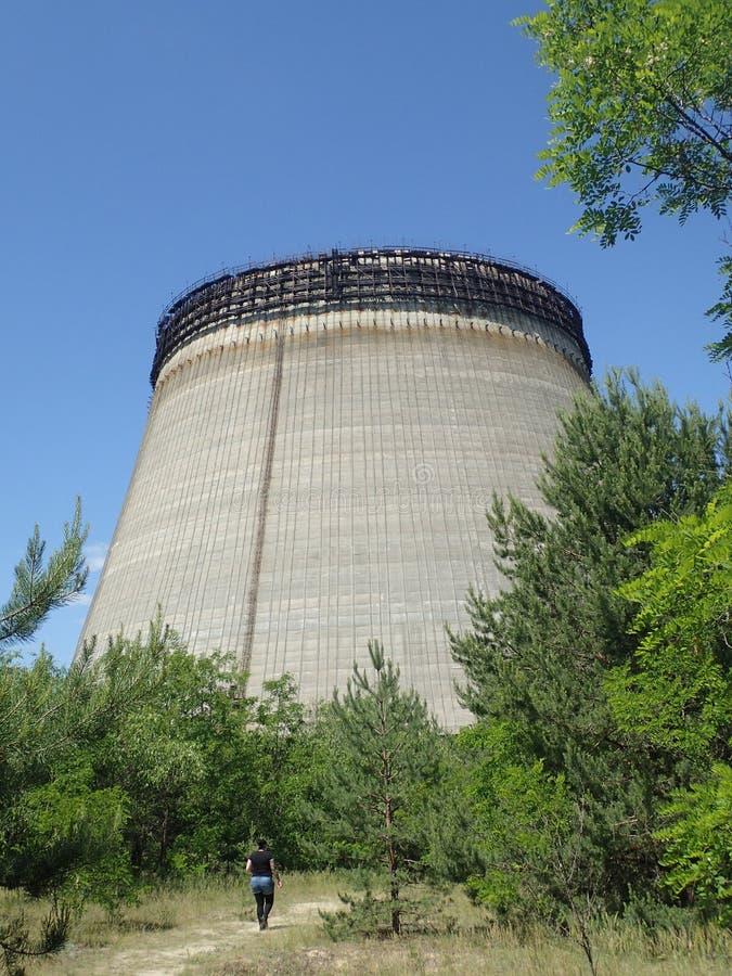 Tour de refroidissement abandonnée, Chernobyl images stock