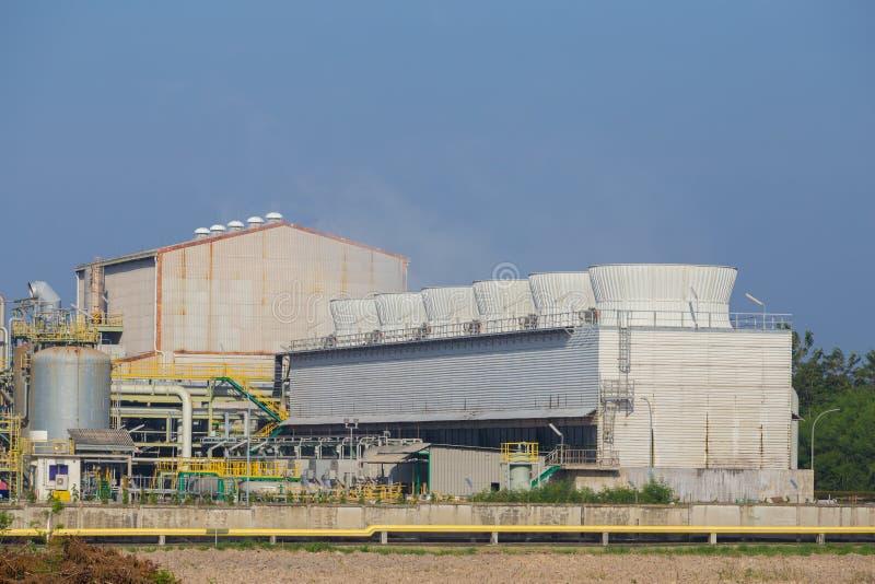 Tour de refroidissement d'usine d'industrie chimique, Thaïlande image libre de droits