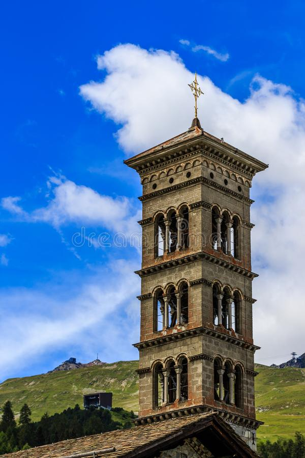 Tour de Roman Catholic Church St Charles dans le St Moritz-mauvais photo stock