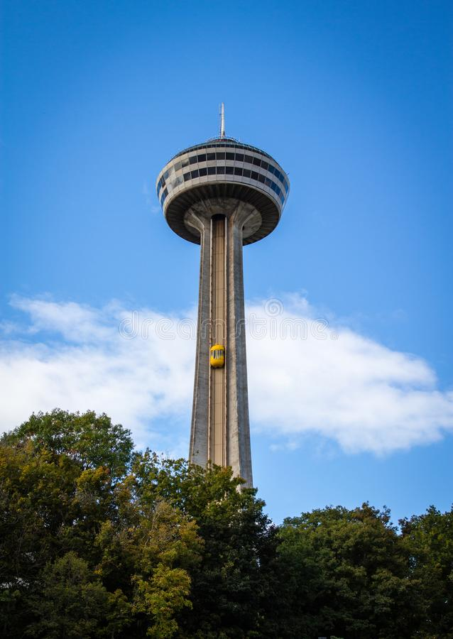 Tour de Skylon aux chutes du Niagara photos stock
