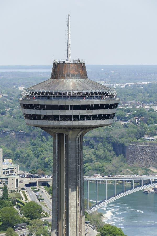 Tour de Skylon dans les chutes du Niagara, Ontario, Canada photographie stock libre de droits