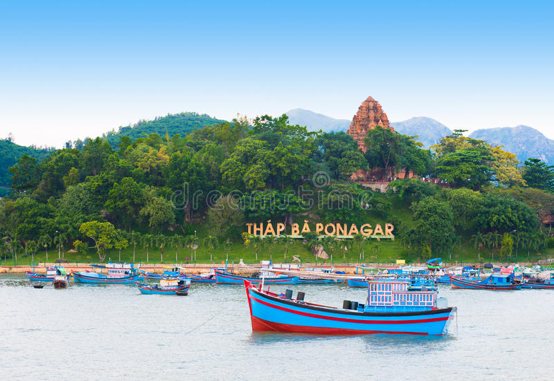Tour de temple de Cham, Nha Trang, Vietnam photos libres de droits