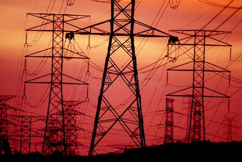 Tour de transmission ou tour de puissance photos stock