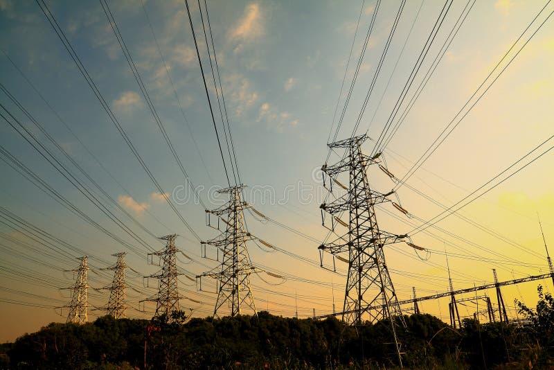 Tour de transport d'énergie image libre de droits