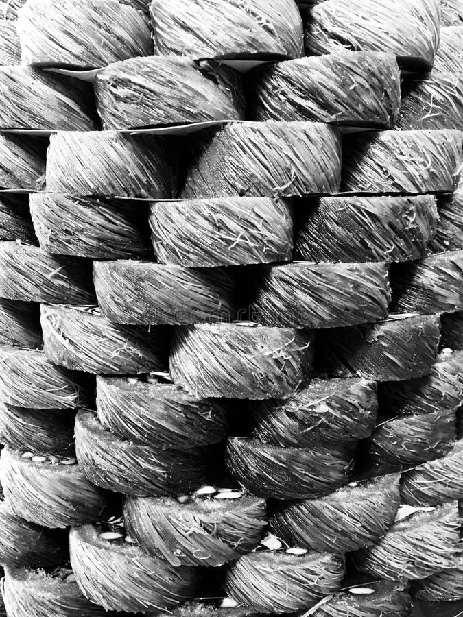 Tour des bonbons turcs en noir et blanc images stock
