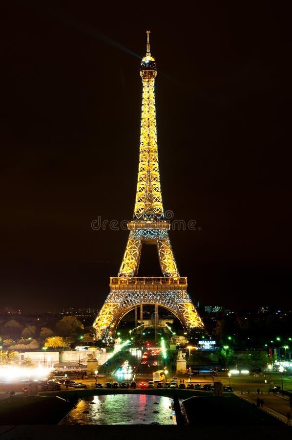 Tour Eiffel illuminé photos libres de droits