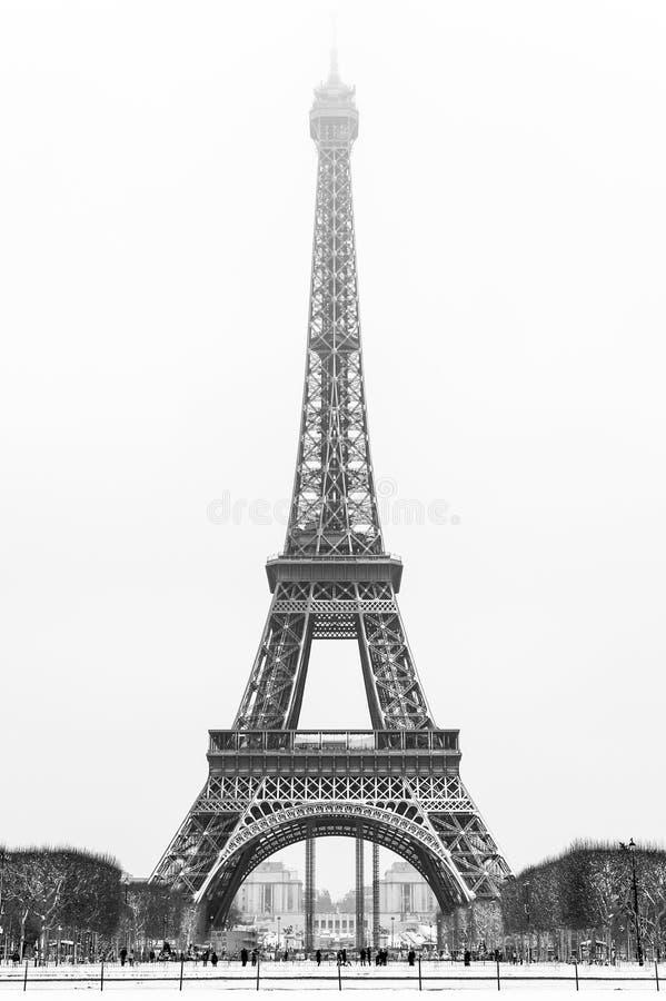 Tour Eiffel sous la neige photos stock