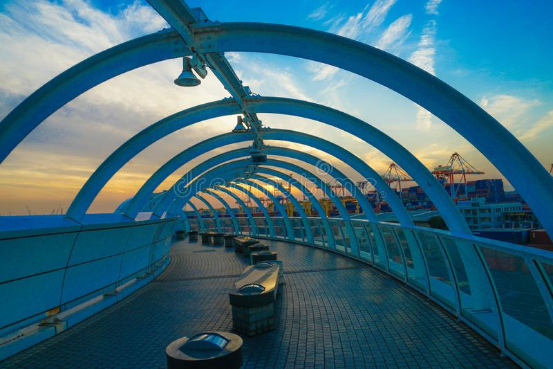 Tour et coucher du soleil de symbole de port de Yokohama photos stock