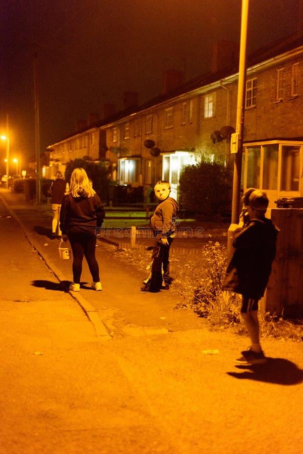 Tour et festin de Halloweel d'enfants de l'anglais image libre de droits