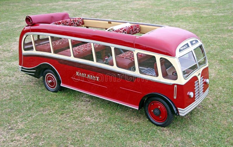 Tour miniature d'autobus de vintage image stock