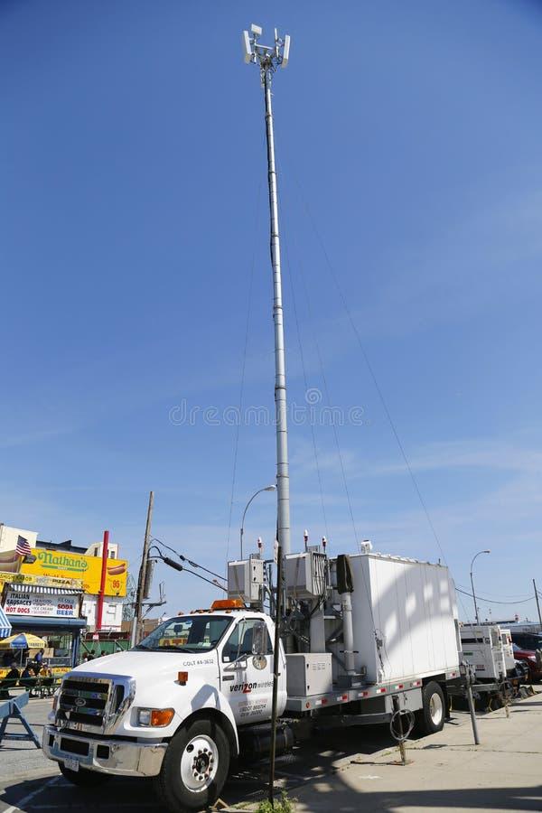 Tour mobile de cellules de Verizon Wireless photos libres de droits