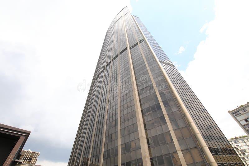 Tour Montparnasse Wolkenkratzer-Gebäude Paris Frankreich stockfotos
