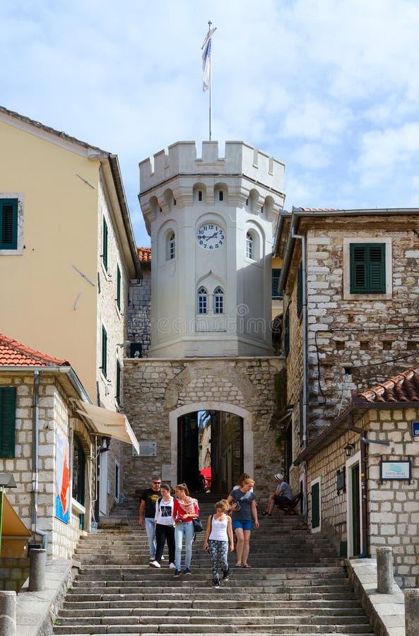 Tour Sahat Kula (tour d'horloge) dans Herceg Novi, Monténégro images libres de droits