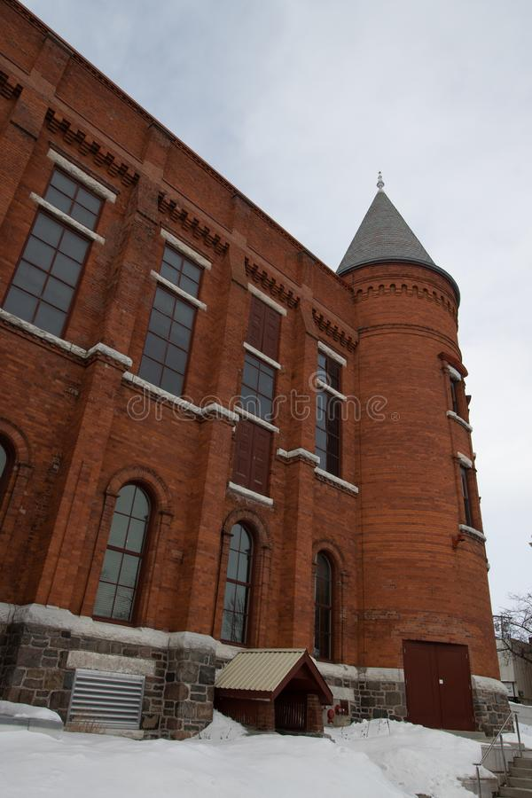 Tourelle du bâtiment d'Opéra d'héritage dans Orillia Ontario image stock