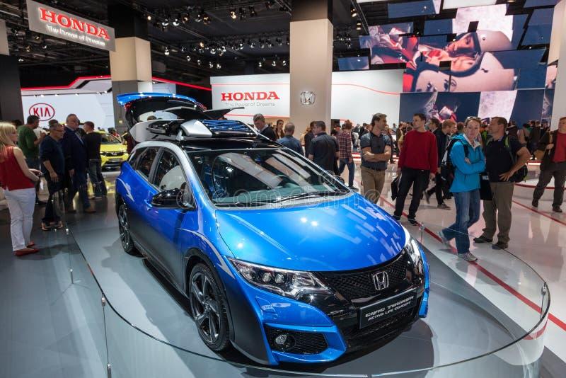 Tourer activo de Honda Civic en el IAA 2015 fotos de archivo