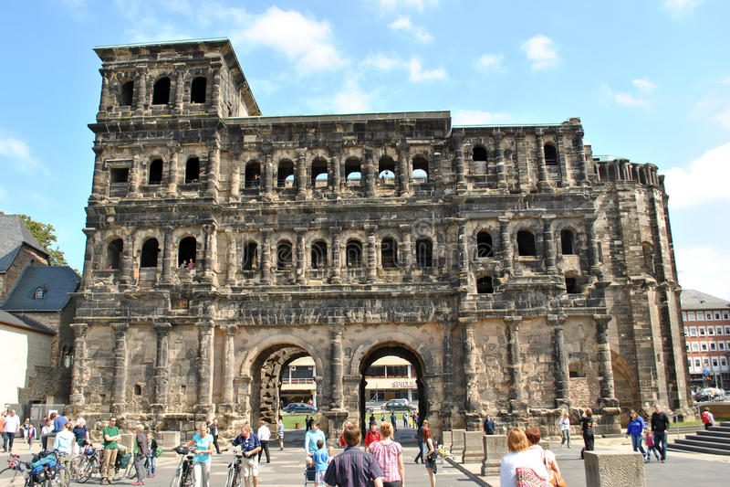 Download Tourism At Trier - Porta Nigra Editorial Stock Photo - Image: 21873703