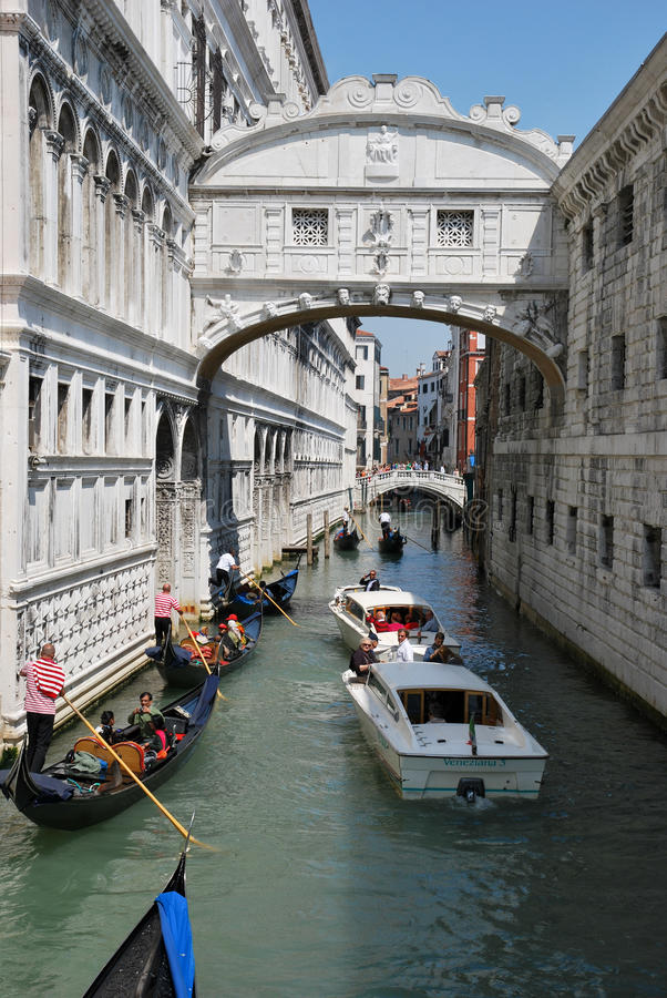 Download Tourism In Venice Editorial Image - Image: 25338345