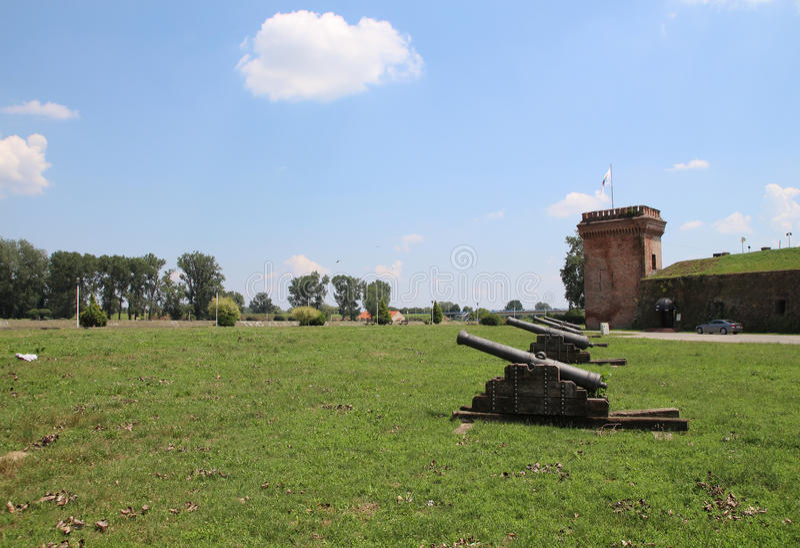 Tourisme dans Osijek, armes à feu et tour de la Croatie/empire de tabouret photo libre de droits