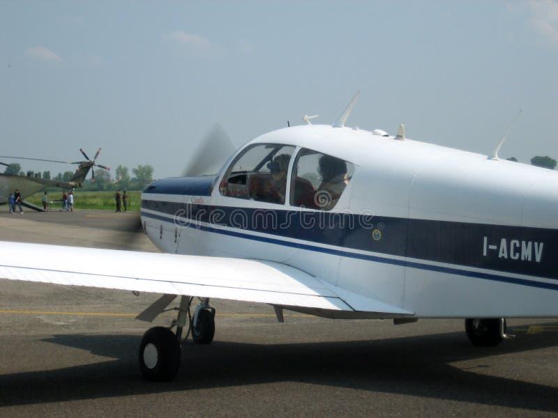 Tourismusflugzeug lizenzfreies stockfoto