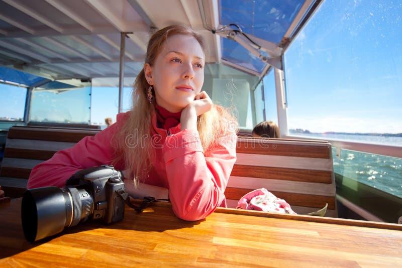 Tourist der jungen Frau stockfotos