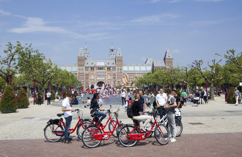 Touriste à Amsterdam Rijksmuseum photo stock